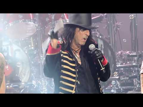 Alice Cooper School's Out Live on 2017 Tour