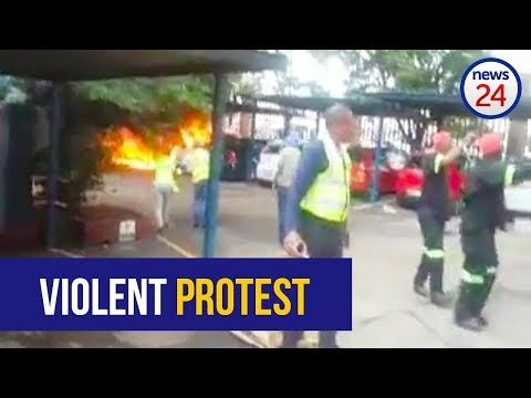 WATCH: Employees' cars set alight at Germiston plastics factory as violent protests continue