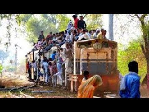 HITCHHIKING India | 209 Km | Train Surfing | Agra-Gwalior-Varanasi |Travelling FREE | PART-3