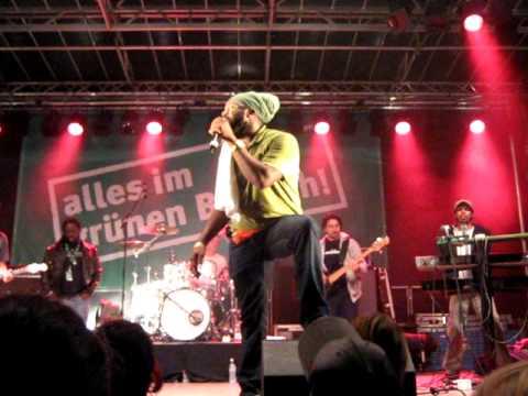 Download Fantan Mojah - Stronger (live at JamCity Duisburg 2009)