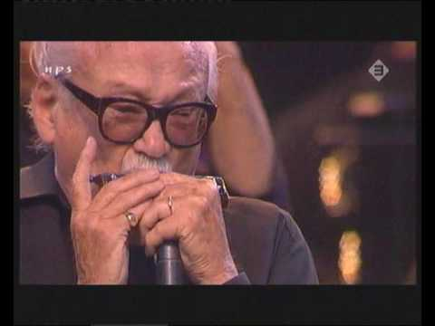 Toots Thielemans & Jamie Cullum - one for my baby (Live)