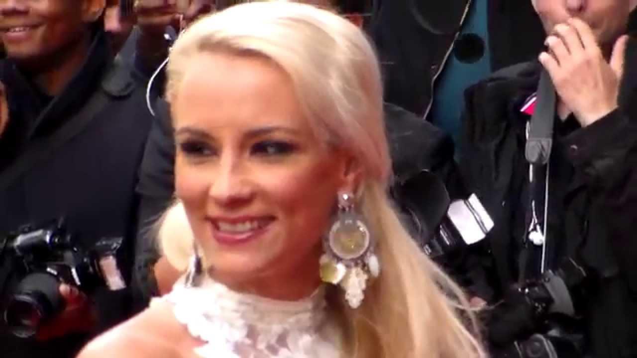 Elodie gossuin miss france 2001 paris le 25 mai 2015 global gift gala youtube - Elodie gossuin miss france ...