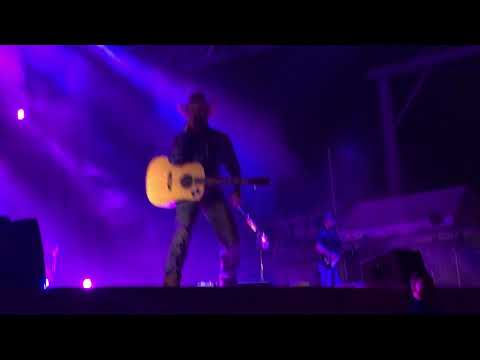 Cody Johnson Band - Intro + I Ain't Going Nowhere Baby (Live)