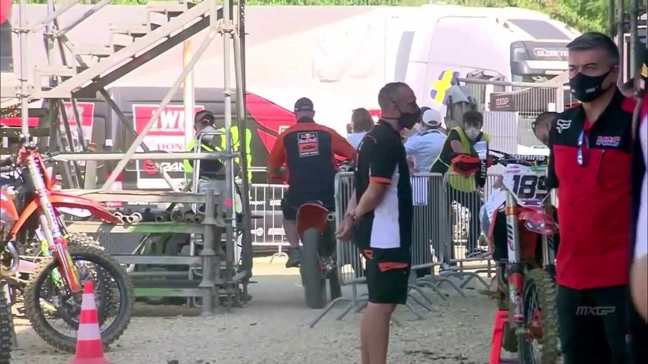Jeffrey Herlings crashes out of Faenza