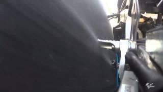 摩擦でペダルが消えた!? 小型カメラがとらえた衝撃のクラッシュ映像