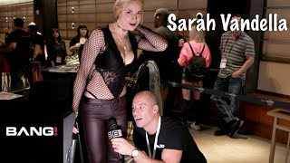 Скачать Getting Weird With Sarah Vandella