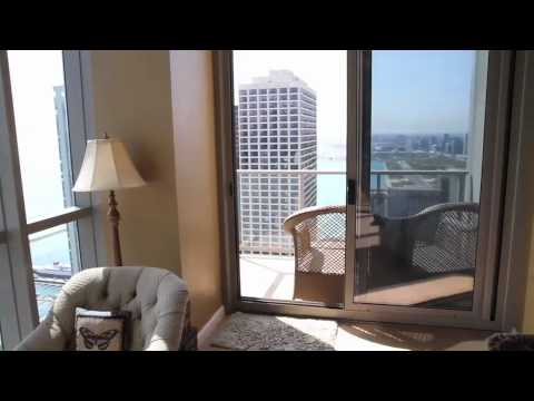 3 Bedroom Chicago Penthouse with Sweeping City Views