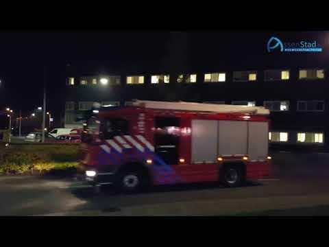 Overleden kind in auto aangetroffen bij politiebureau Assen