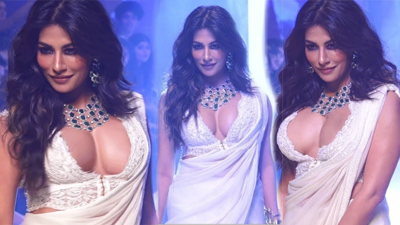 Chitrangada Singh in White Saree Walks Ramp at Bombay Times Fashion Week Spring Summer 2019