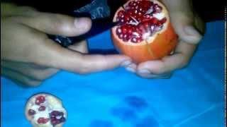 কিভাবে খুব সহজে বেদানা ছুলে খাবেন ও পরিবেশন করবেন- How to perfectly opening eat & serve Pomegranate