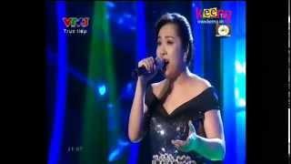 Khoảnh Khắc Tuyệt Vời [Live] -   Minh Thùy Vietnam Idol