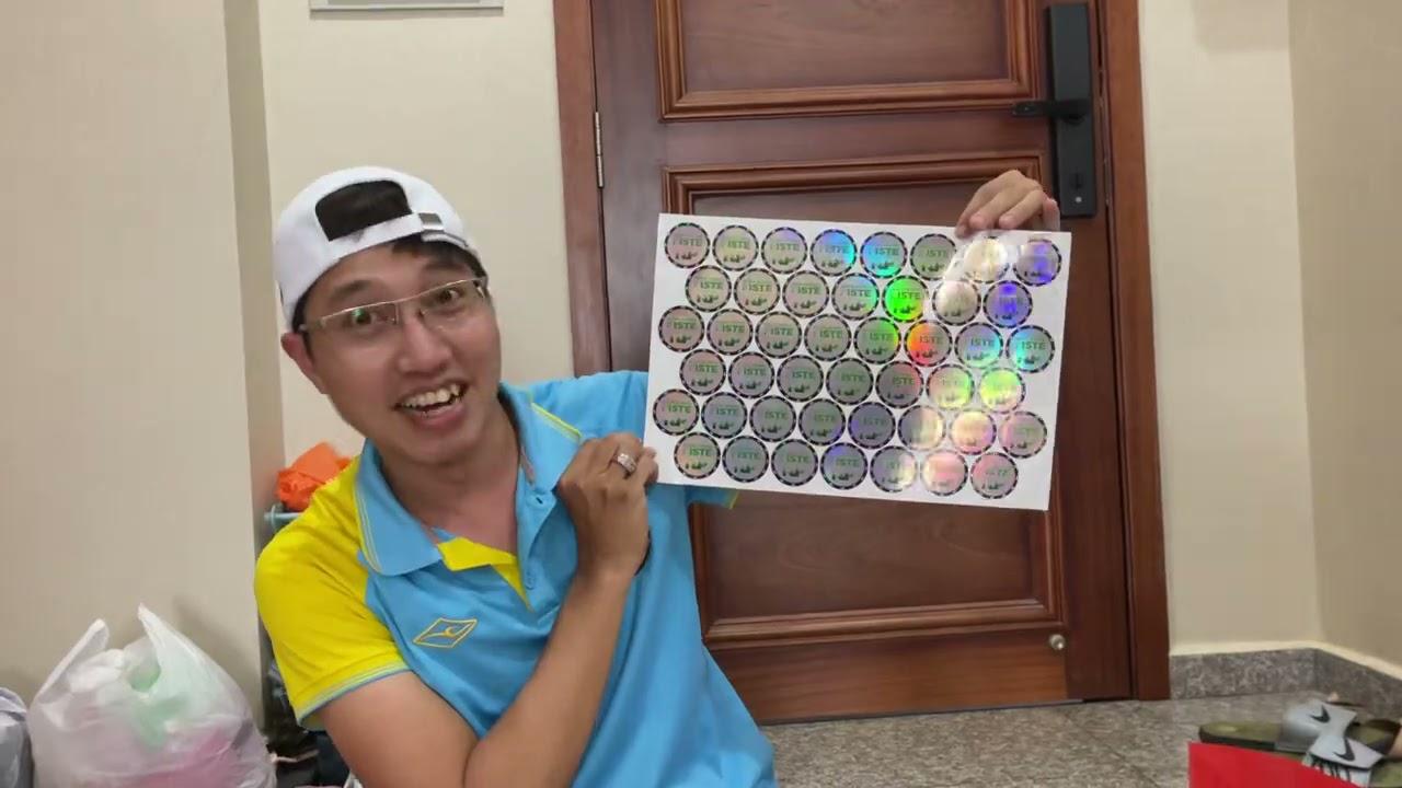 Đội tuyển Việt Nam mặc áo có số và tên ở UAE khác biệt thế nào so với áo chính thức trong năm 2021