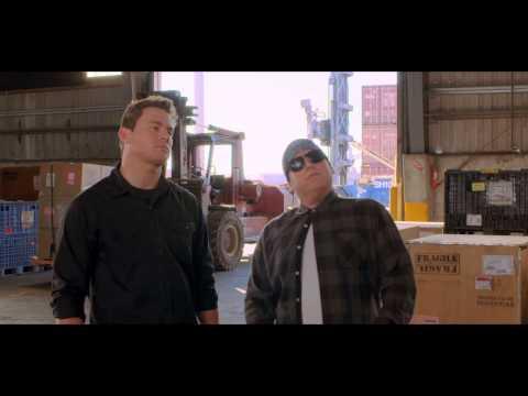 "22 JUMP STREET Film Clip ""Undercover"""