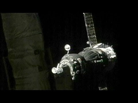 Russian and US crew take express route to space