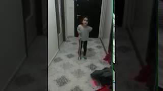 5 yaşındaki çocuktan büyük oyunculuk