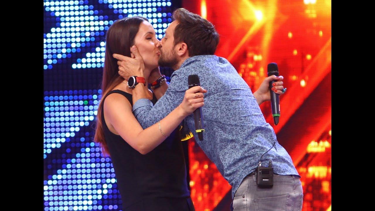Prezentare: Tatiana Grişca, actuala şi fosta soţie a lui Dani, pe scena X Factor