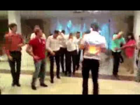 Лучший танцевальный батл на свадьбе