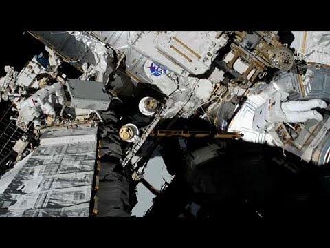 Crónicas do Espaço: Um EVA de contingência no feminino