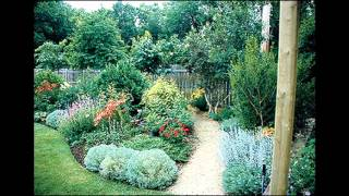 Gambar cover Simple Low maintenance landscaping ideas