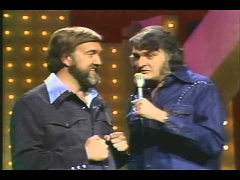 Narvel Felts, Dickie Lee on Pop Goes The Country with  Barbara Mandrell -  720x480