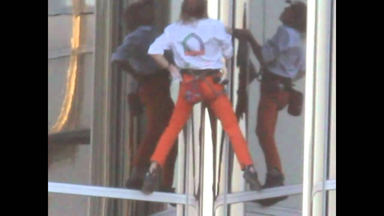 Spiderman alain rob rt climbs burj khalifa long edit youtube - Alain robert burj khalifa ...
