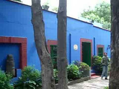 frida kahlo 39 s house the blue house m xico df youtube. Black Bedroom Furniture Sets. Home Design Ideas