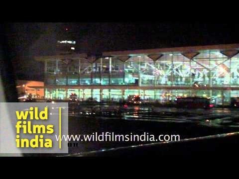 Flight landing at Indira Gandhi International Airport - Delhi