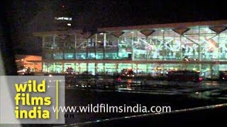 Flight landing at Indira Gandhi International Airport - Delhi