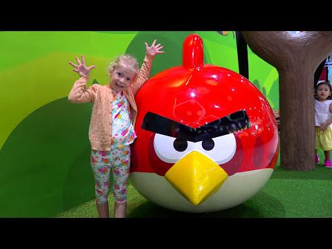 Самый крутой парк  Энгри Бердс Приключение в Angry Birds Невероятный детский парк с веселыми птицами