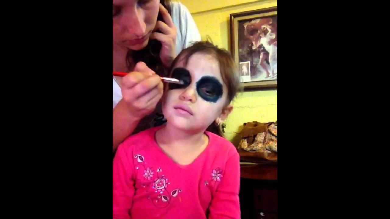 Pequeña Catrina, maquillaje sencillo
