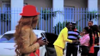 Смотреть клип Queen Biz - Sama Akkou Xol