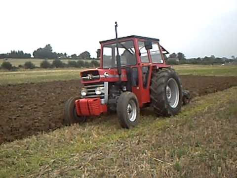massey ferguson 135 ploughing youtube. Black Bedroom Furniture Sets. Home Design Ideas