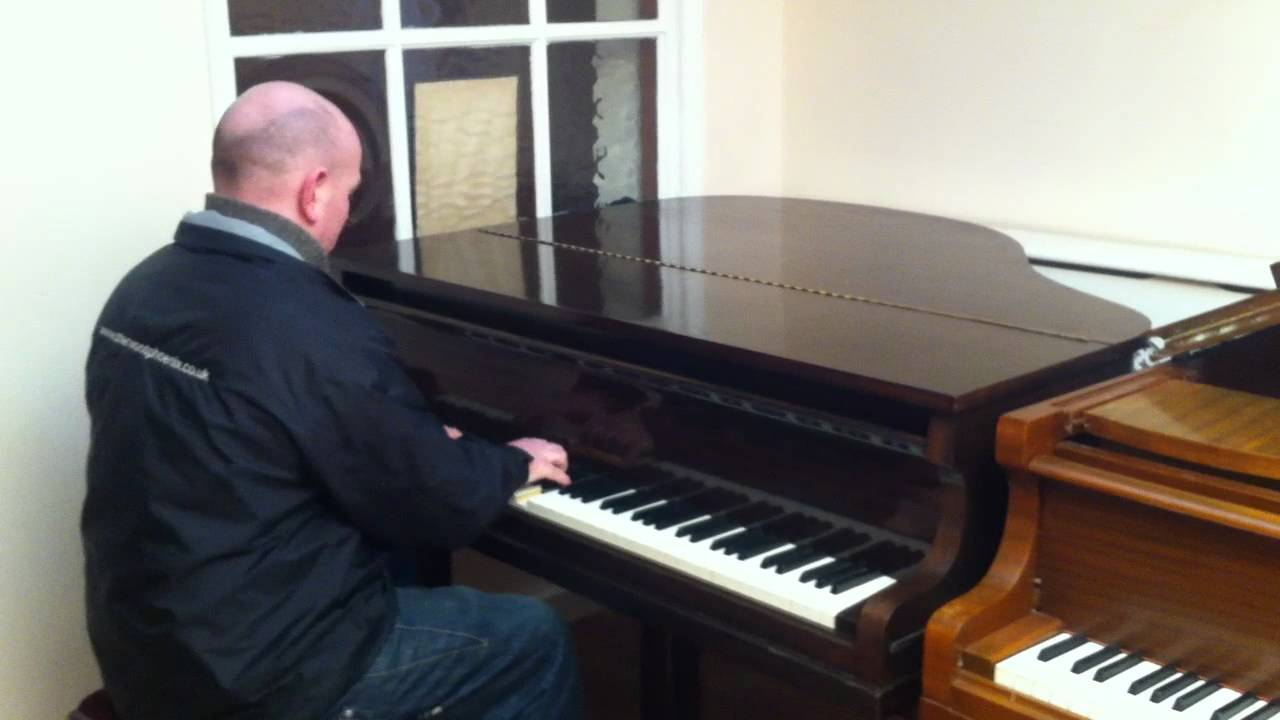 Small bachmann baby grand piano demonstrated by sherwood for Small grand piano