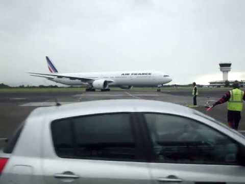 B777-328ER Air-France Arrival in Martinique