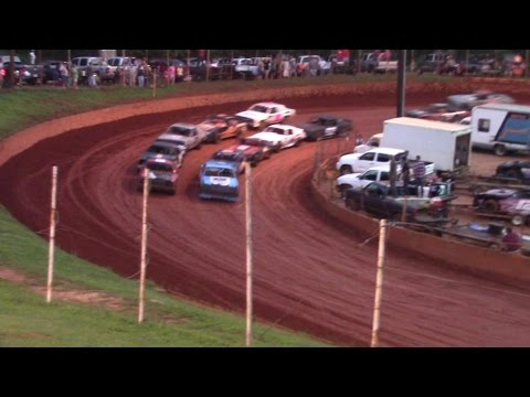 Winder Barrow Speedway Stock Eight Cylinders Feature Race 8/15/15