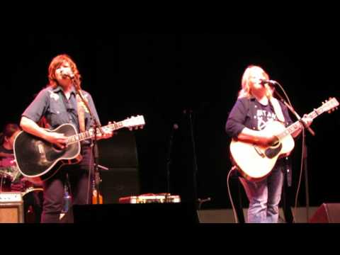 Indigo Girls w/Susan Tedeschi ~ Closer To Fine