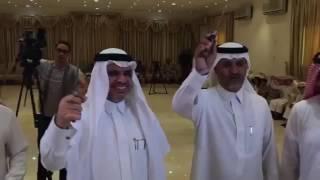 """فيديو #عاجل .. وزير التعليم يرقص """"السعب"""" في #نجران"""