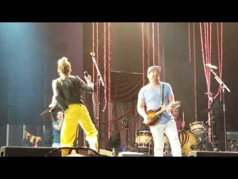 "Sugarland soundcheck ""Want To"" -Vegas"