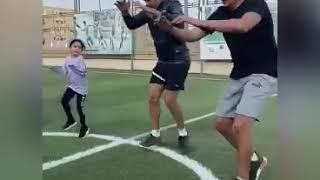 شايان عصام الحضرى تشارك والدها فى تدريبات حظر كورونا - اليوم السابع - الرياضة