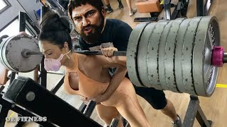 WOMAN uses FAKE WEIGHTS in the GYM
