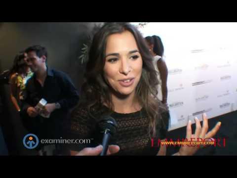 """[JAV STAR] Josie Loren Exclusive interview at Matt Leinart Foundation  Eighth Annual """"Celebrity Bow"""