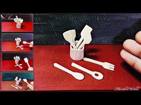 MINIATURE WOODEN KITCHEN UTENSILS - Wooden Spoons