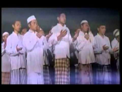 Wafiq Azizah-MOHON AMPUN.mpg
