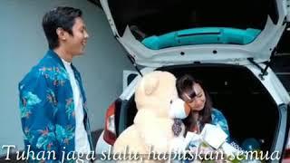 Download Mp3 Kado Terindah - Glenn Sebastian Ft Dirty Clan  Video Lyrics