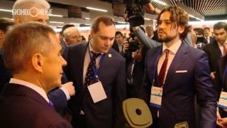 Рустам Минниханов посетил выставку Российского венчурного форума