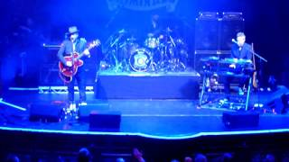 Fun Lovin' Criminals - We Have All The Time In The World - Manchester Albert Hall 04/03/17