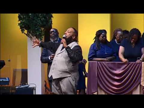 "Bishop Marvin Sapp Sings ""Never Would've Made It"" & Altar Call 2018!"