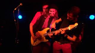 The Hoax - Three Men, One Guitar