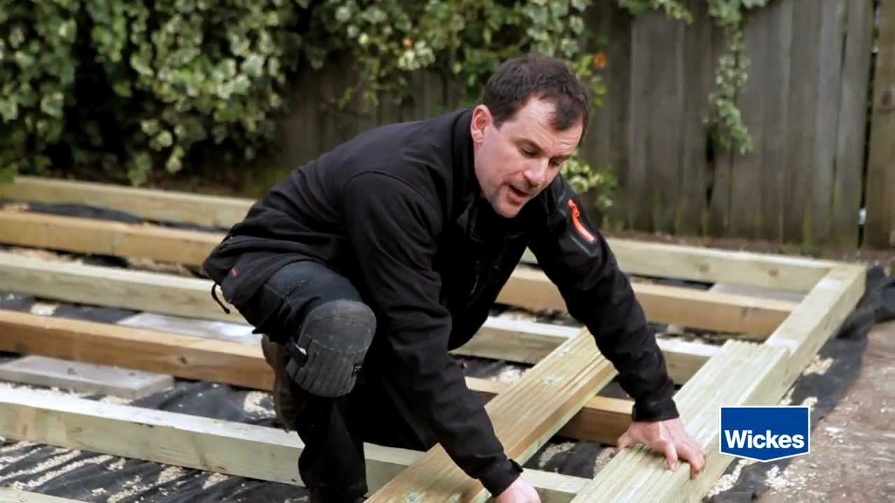 Wickes how to lay decking online tutorial doovi for Composite decking wickes