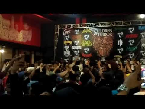 Straight Answer  - We're Coming Back  (Cover Cock Sparrer ) Live God Bless 2 Malang